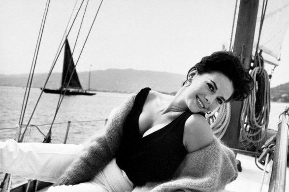 Natalie Wood: Photos, Style, Famous People, Hollywood, Woods, Wood Splendor, Natalie Wood, Black, Actresses