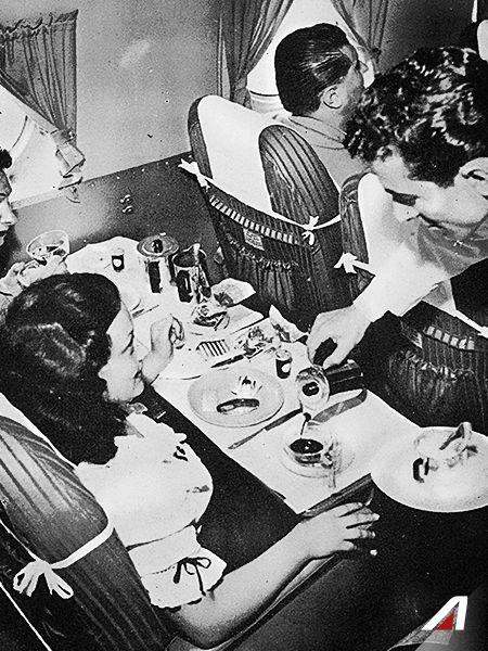 Stamattina il #caffè lo offriamo noi, a bordo del #Douglas DC-4 e servito direttamente dalla #moka. ☕ It's #coffee time. The one served #onboard our Douglas DC-4 is brewed with a #moka pot. ☕