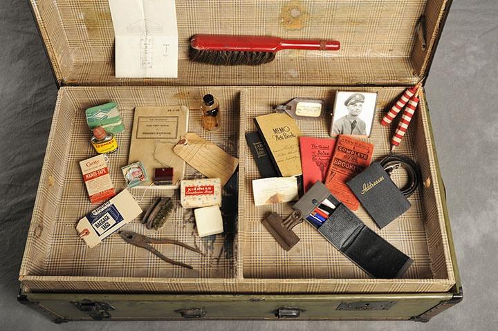 Willard Suitcases: os segredos dos pacientes de um manicômio   Plush Blush - Update or Die