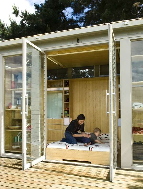 Compact Portable Houses - The Port-a-Bach Container Home Provides Freedom of Movement (GALLERY)