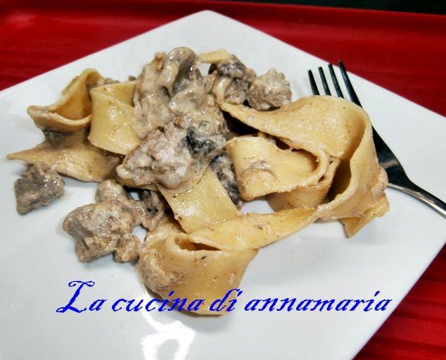 Pappardelle+con+funghi+salsiccia+e+panna