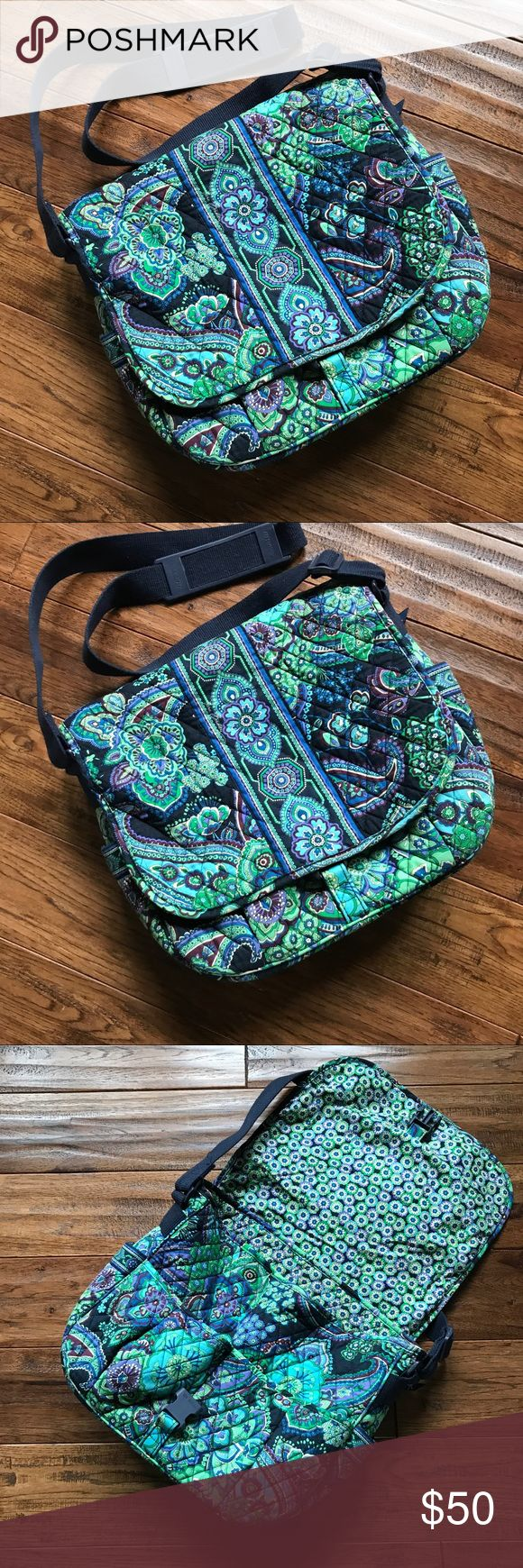 💙💚Vera Bradley Laptop Messanger in Blue Rhapsody Lightly Used. In Good Condition. Great for Back to School!! 🍎✏️📚 Vera Bradley Bags Laptop Bags