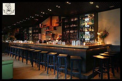 Dise os de bares r sticos y cl sicos caf s bares y for Mobiliario rustico para bares