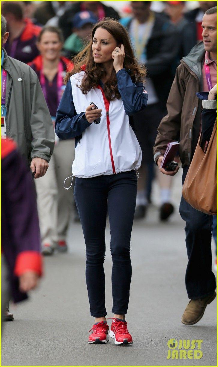 Duchess Kate Cheers Great Britain's Rowing Team