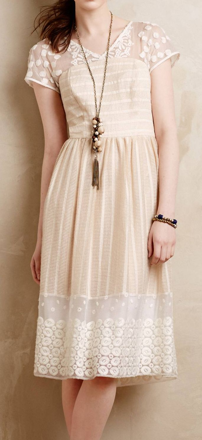 Poema lace dress