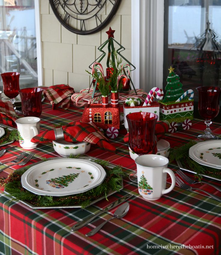 Best ChristmasTablescapes Images On Pinterest Christmas - Christmas tartan table decoration