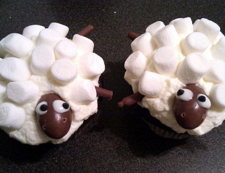 Rezept für schnelle und einfache Motiv Cupcakes mit Schafen, perfekt für Kinder oder zum Geburtstag