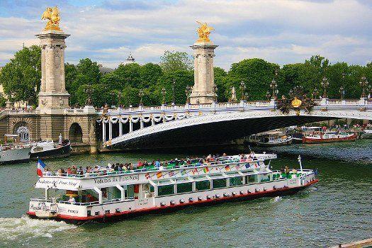 Férias Românticas em Paris Voos + Hotel Alpha Paris Tour Eiffel desde 179 Euros