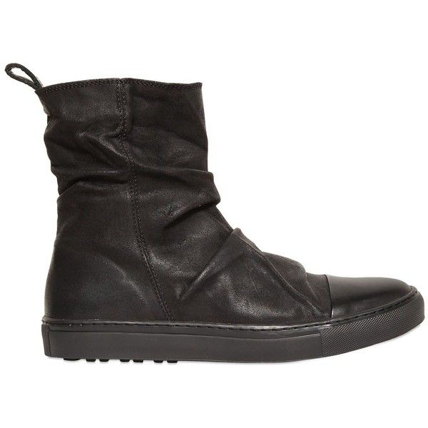 John Varvatos Men Wrinkled Oiled Leather High Top Sneakers (287.650 CLP) ❤ liked on Polyvore featuring men's fashion, men's shoes, men's sneakers, black, mens black shoes, mens black leather shoes, mens high tops, mens hi tops and mens high top shoes