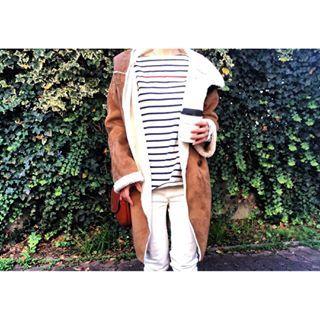 . . 突然冬らしくなってビックリ。 それでも娘は元気に公園で遊んでいて 母は寒さに耐え切れず フードをかぶって怪しい人のようでした← 寒くてホットコーヒー飲みまくり౿̈⃝☕️ . I'm drinking coffee a lot because really cold today. . #kaumo_fashion #kurashiru #dailylook #wiwt #wiw #urbanresearch #snapgram_jp #minimal #streetstyle #simple #着回しコーデ #ムートンコート #ママコーデ #アーバンリサーチ #メンズ #20151217 #ホワイトコーデ #ボーダー #大人カジュアル