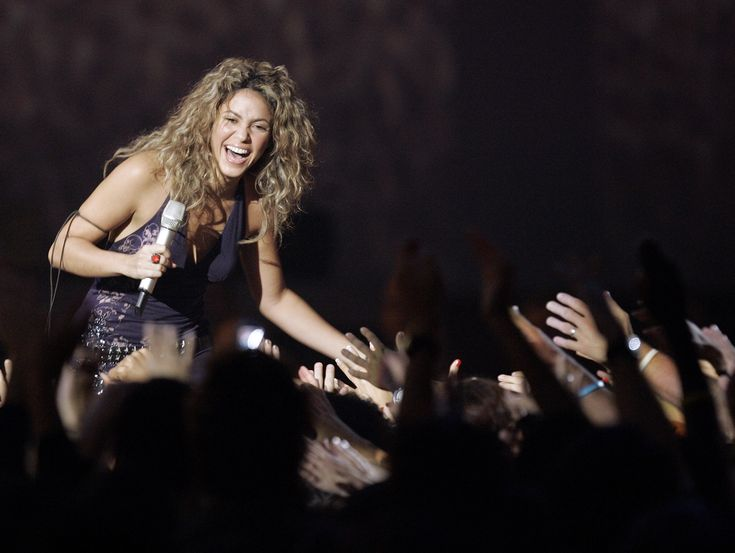 go to a Shakira concert