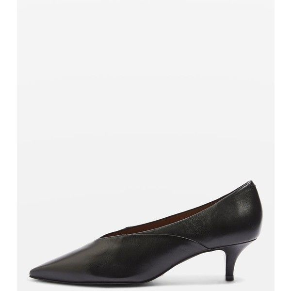 Topshop Jackie v-Cut Kitten Heels (90 CAD) ❤ liked on Polyvore featuring shoes, pumps, black, pointy toe kitten heel pumps, mid-heel pumps, leather pumps, black pointed toe pumps and pointy toe pumps