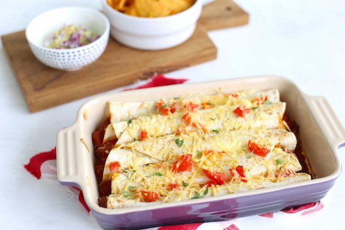Op zoek naar een lekker Mexicaans recept? Wat dacht je van enchiladas met gehakt? Lekker met bijvoorbeeld zelfgemaakte guacamole en chips.