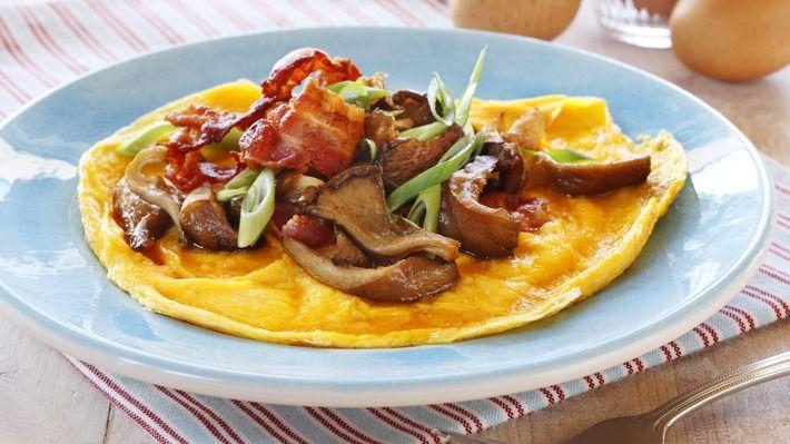 Omelett med sopp og bacon - Rask - Oppskrifter - MatPrat