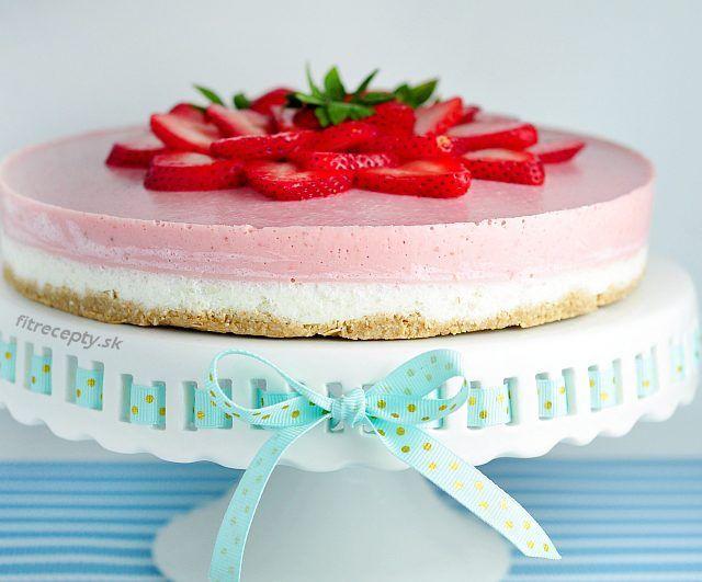 jogurtovo jahodova nepecena torta dokonalost