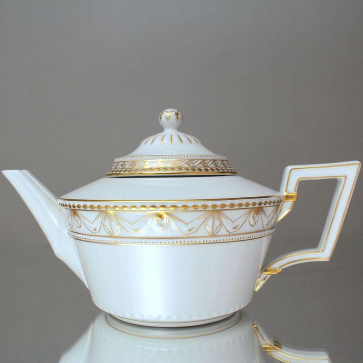 KPM Berlin: große Teekanne Kurland, Goldrand, Dekor 19, Kanne, Klassizismus