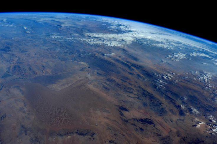 Good night from #space. Buona notte dallo spazio.