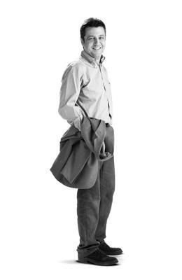 Alex Armenter, Arquitecto. Ha realizado proyectos de arquitectura e interiorismo para destacadas empresas como Pepe Jeans, Corre Corre o en Línea Barcelona.
