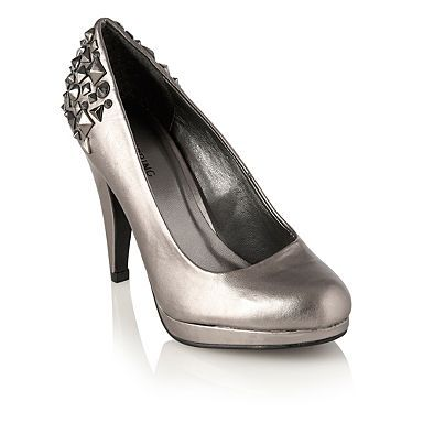 Monday must have! We love the metallic trend right now & have these silver stud heels on our wish list. Like the look?
