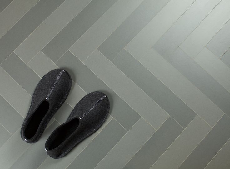 Herringbone in two shades of grey WoodFiber from Bjelin