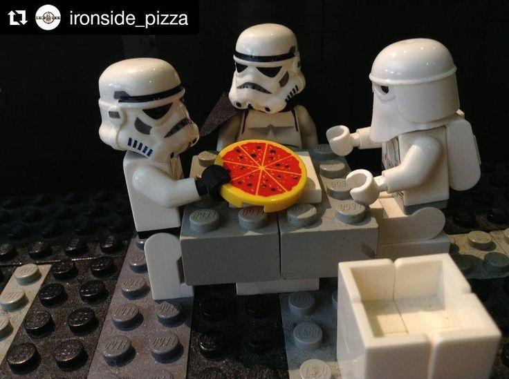 Hoy dia internacional de STAR WARS ven y come tu pizza entre fanáticos y personas con tus mismos gustos. May the force be with you!!!! #Repost @ironside_pizza with @repostapp ・・・ Come to the #IronSide. We have pizza!��#starwarsday ... #IronsideKitchen #italianfood #Coffee #italianrestaurant #pizza #pizzalover #pizzanapoletana #foodporn #foodgasm #food #foodie #ItalianPizza #MiamiNights #MiamiLife #MiamiParties #ItalianfoodMiami #Italiancuisine #traditional #traditionalfood…