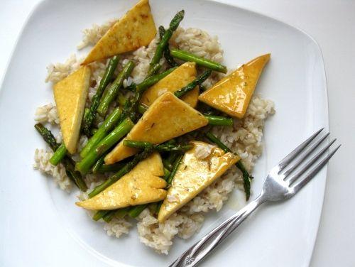 Lemon Glazed Asparagus and Tofu Stir-Fry: Vegans Lemon Glaze, Lemon Asparagus, Baking Recipes, Tofu Stir Fries, Lemon Glaz Asparagus, Glaze Tofu, Tofu Stirfri, Asparagus Stir, Glaze Asparagus