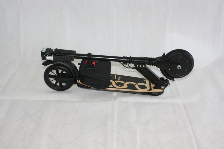Pliable et compacte la trottinette électrique Littleboard est très facile à transporter !