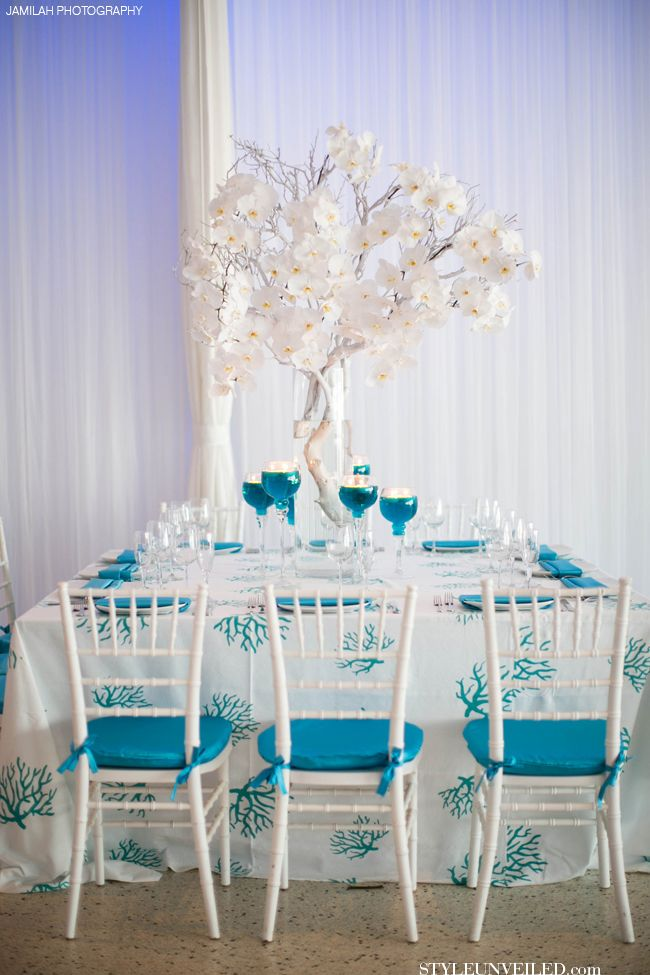 Turquoise And White Wedding Table Decor J Morgan Flowers Jamilah