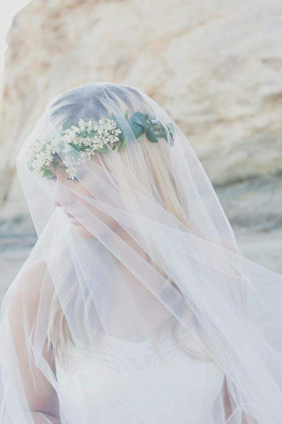 Ellie asher photo. Flower crown and veil