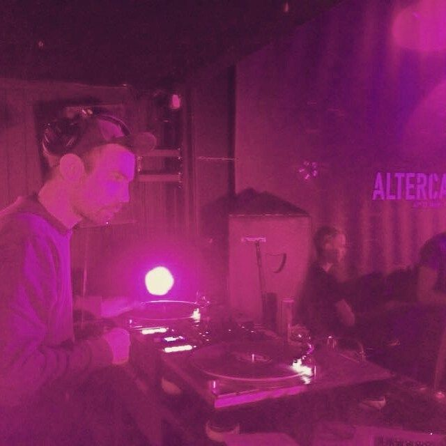 Good times @altercafé ! #nantes #altercafé #datah #scratch #turntablism #hiphop #djlife #bassmusic #house by visualize1