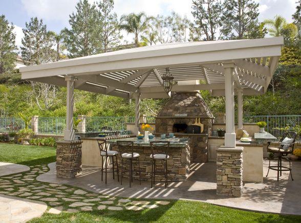 Italian outdoor pizza oven stone ideas bakersfield for Great outdoor kitchen ideas