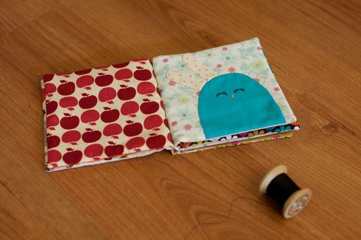 Livre en tissu by Fils et ficelles