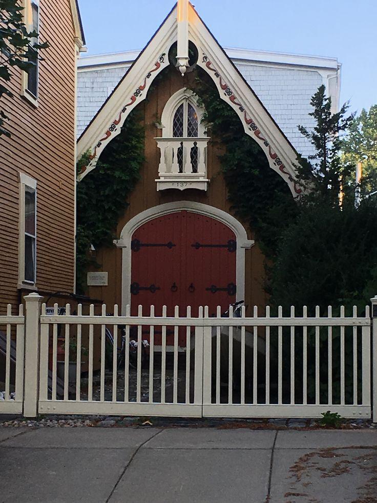 Bristol, Rhode Island cottage or garage House styles