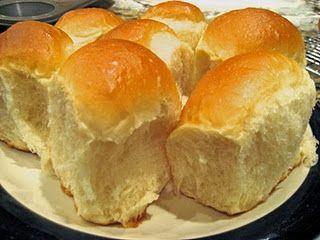 Tutorial for a basic recipe to prepare 6-Soft Tender Rolls: Cloverleaf-Parker House-Butterhorn-Crescent-Lion House-Dinner Rolls, posted by Hannah.