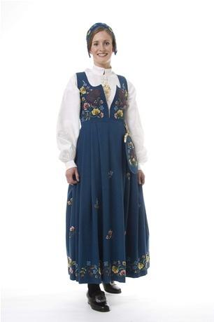 Gudbrandsdalens Festbunad. My costume.