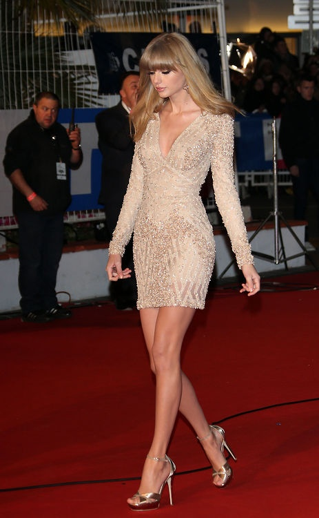 Taylor Swift in Elie Saab Spring 2013 at the NRJ... She's annoying but love that dress!