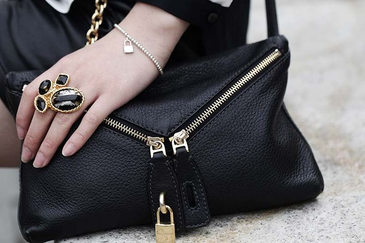 http://www.mandorlaeyes.com/leather-shorts-black/YSL