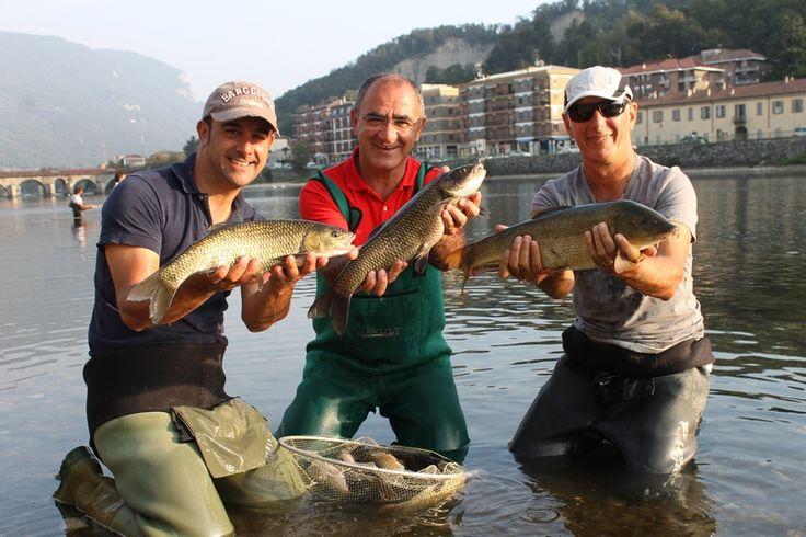 Torniamo a pescare assieme a Maurizio Teodoro, tre volte campione del mondo e lo facciamo sull'Adda a Lecco, ripetendo la pescata dello scorso anno
