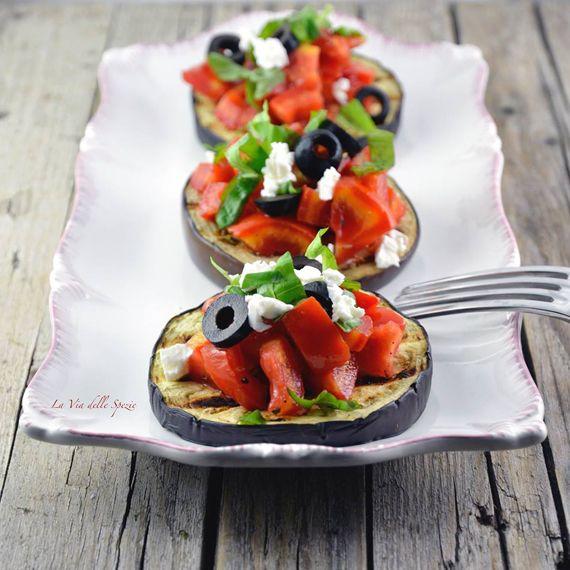 #Bruschetta di #melanzane. Una rivisitazione della classica buschetta al #pomodoro per un #antipasto freschissimo. #Prepara anche #tu queste deliziose bruschette clicca di seguito sul link. http://bit.ly/1sLFfr3 #Melarossa