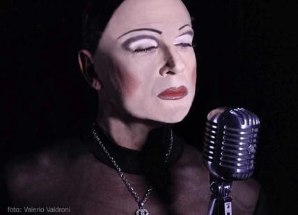 """Le confessioni hot di una """"drag singer"""" Da Marlene D a Divina, Star per Vocazione"""