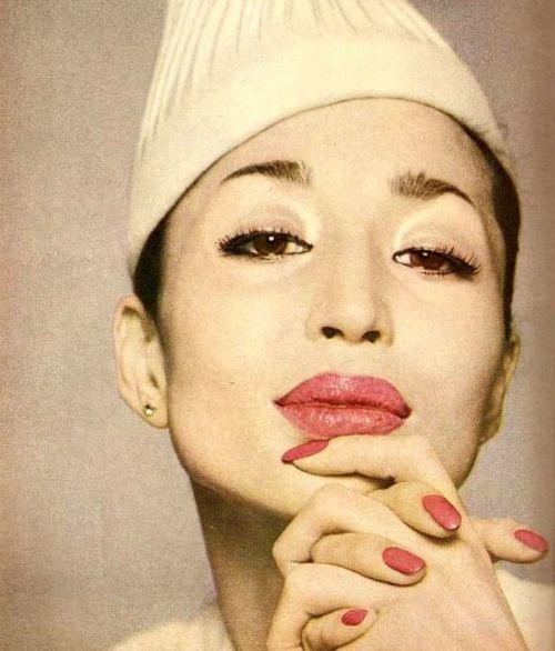 China Machado a Harper's Bazaar (febrer 1959)