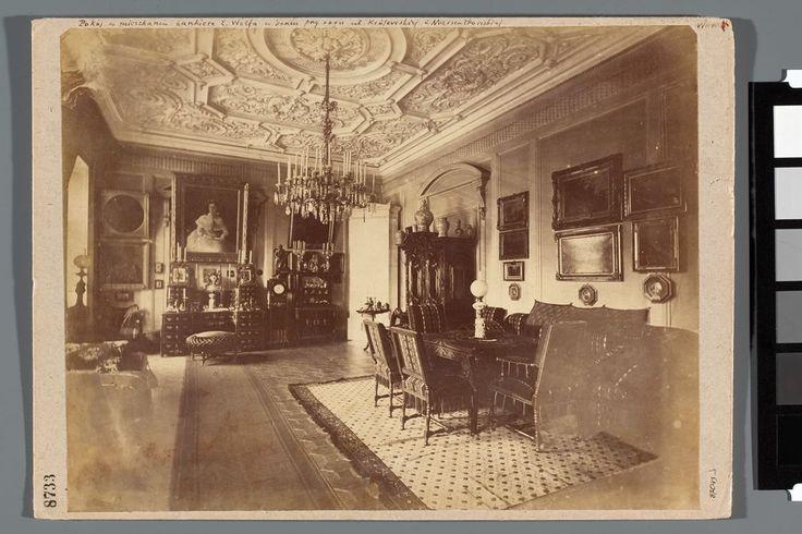 Zajrzeliśmy do wnętrz XIX-wiecznego mieszkania, aby sprawdzić, jak żyli mieszkańcy stolicy. I co zobaczyliśmy? Wnętrza zachwycające wystrojem i... niezliczoną liczbą jasnych świec.