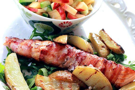 Baconlindad lax med nektarinsalsa & rosmarinrostad potatis - 4 personer