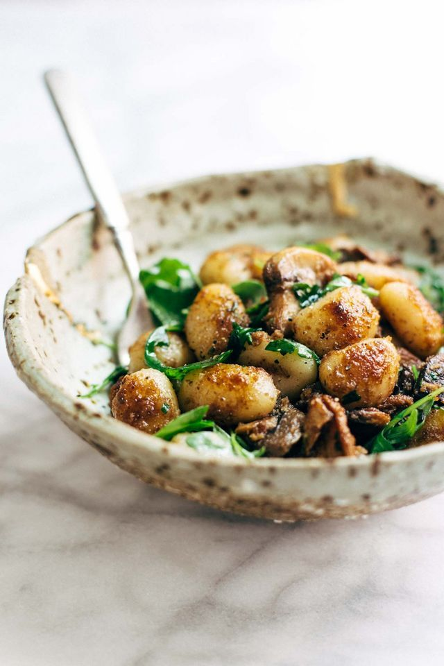 Mushroom Gnocchi with Arugula and Walnut Pesto | Pinch of Yum | Bloglovin'