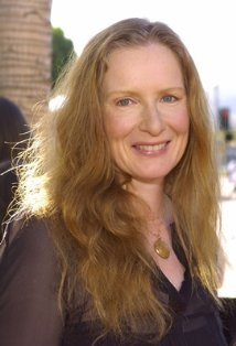 Frances Conroy - a wonderful actress! Played Ruth Fisher on Six Feet Under.