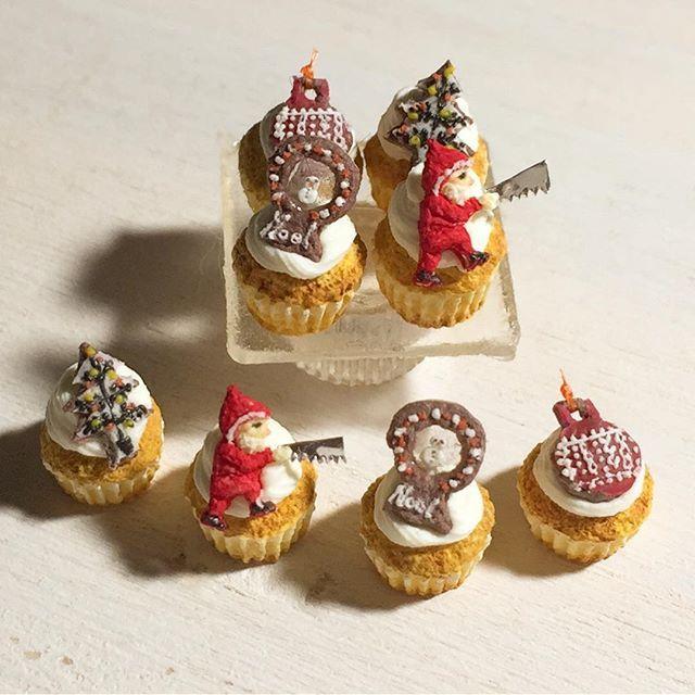 ミニチュアフードミニチュアドールハウス#ハンドメイド樹脂粘土粘土食品サンプルカップケーキクリスマスケーキクリスマスminiaturefood  dollhouse