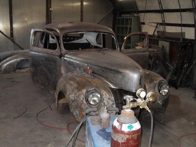 Rebuilding '40 Ford.