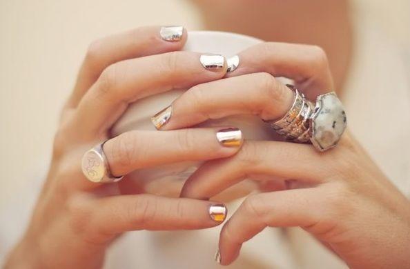 Awesome silver nail polish, by Krystal Schlegel - The Style Book - Fashion blog