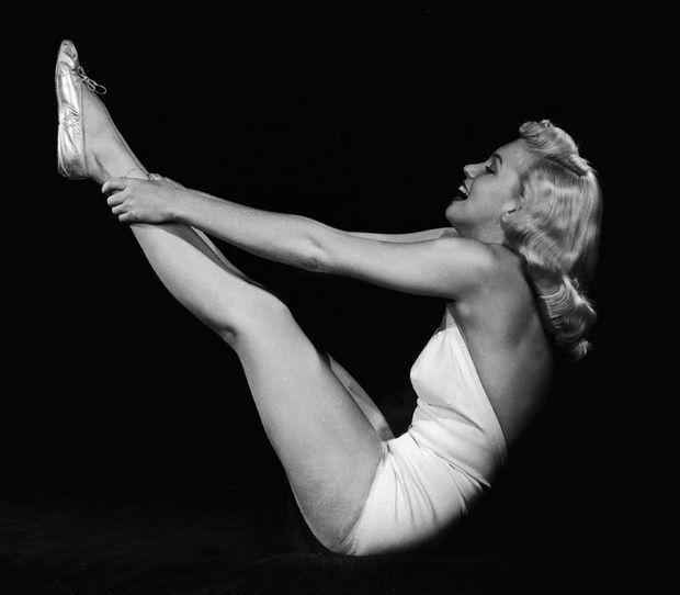 Si les 'celebrities' ho practiquen, serà per alguna cosa. Vols sentir-te realment bé? Vine a Salut i Pilates!! http://www.vogue.es/belleza/articulos/las-claves-de-pilates-de-la-guru-lynne-robinson/18430