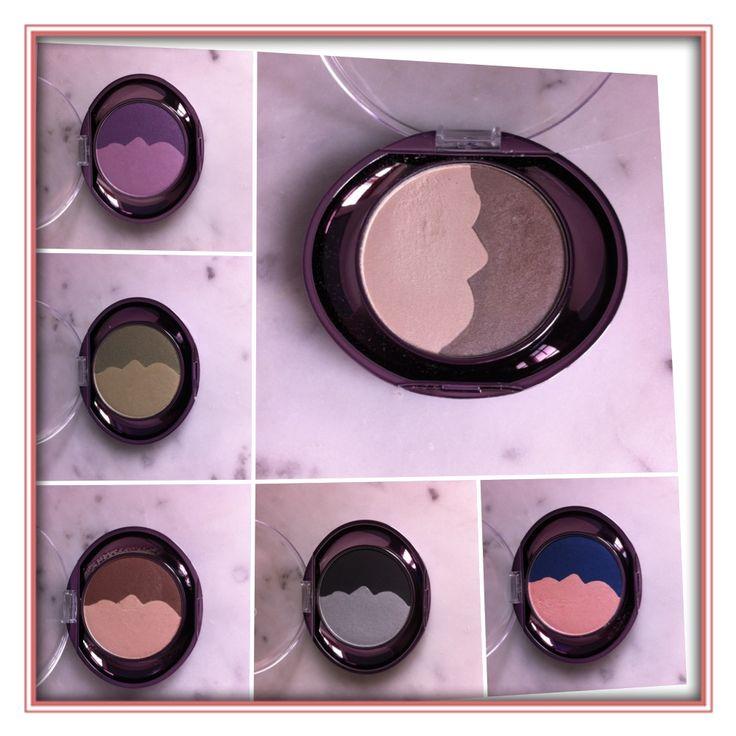 """""""flawless by Sonya"""" er en ret ny makeupserie hos Forever Living products.   Perfect Pair Eyeshadow er duoøjenskygger i seks fine farvekombinationer. Det er en silkeblød, letappliceret formel med Aloe vera, som er nemme at arbejde med. Jeg er vild med farverne, da der både er de lidt dæmpede nuancer men også mulighed for fest, farver og dramatik. Farverne kan naturligvis benyttes både sammen, og hver for sig."""